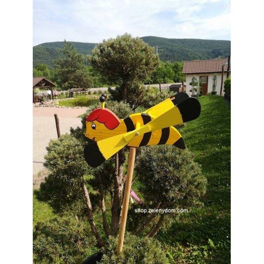 Včielka vrtuľka, Záhradná dekorácia drevená