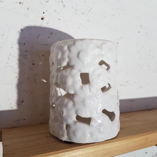 SVIETNIK, keramický biely