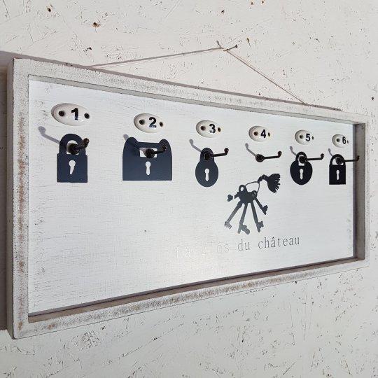 DRŽIAK na kľúče, drevený, 23x51 cm