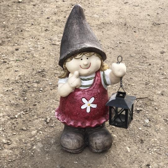 Dievčatko s lampášom - záhradná dekorácia