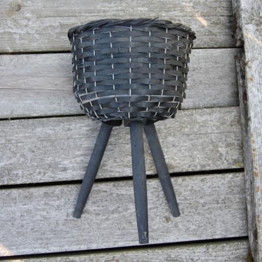 Košík trojnožka, čierny