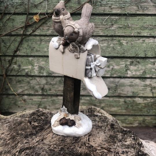 Zasnežená vtáčia búdka - polyresin, 21,5cm