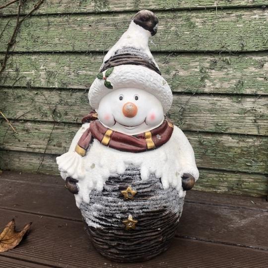 Snehuliak v čapici s cezmínou a šáľom, LED svetlo, 47cm