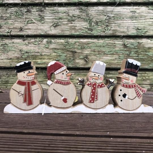 Snehuliaci na podstavci - drevo, 23x8,5cm
